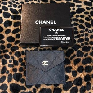 AUTHENTIC CHANEL DIAMOND STITCH WALLET